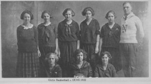 A girls basketball team from 1922 (not my mother's team)